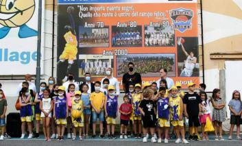 """Il campione di basket Cittadini tiene a battesimo il 12° """"Trasimeno Flippers Summer Camp"""""""