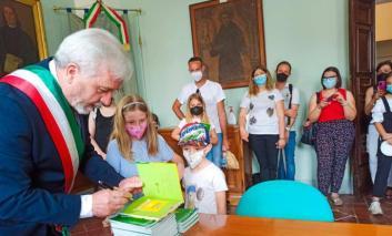 Ambiente, il Comune di Città della Pieve dona libri ai bambini