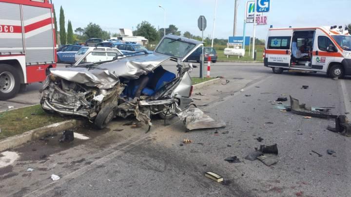 Incidente stradale, un morto, a Castiglione del Lago