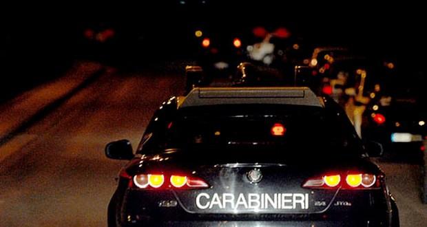 Picchia i carabinieri di Castiglione del Lago, arrestato