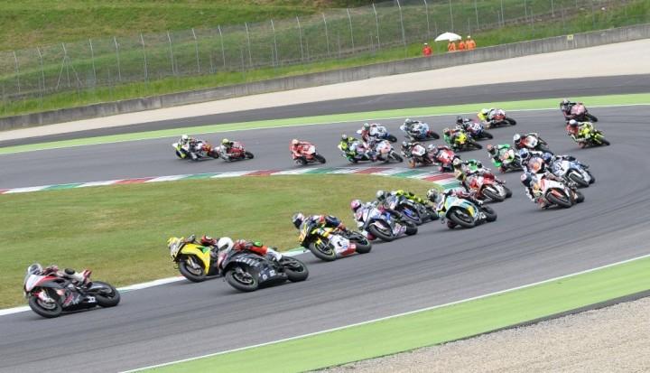 Autodromo Magione, weekend a due ruote con la Coppa Fmi del Mc Spoleto
