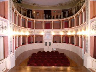 """Caporali a Panicale, """"A Natale regala teatro"""", abbonamenti per quattro spettacoli"""