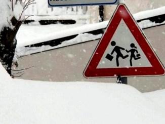 Neve a Magione sindaco Giacomo Chiodini riapre le scuole