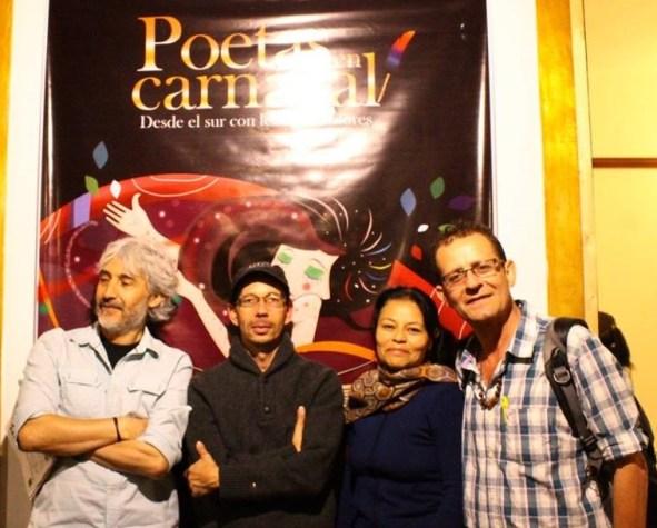 """En la foto, de izquierda a derecha: Andrés Kaicedo, organizador de """"Poetas en Carnaval"""", Carlos Mario Uribe, director de La Nave de Papel, Jeanette Álvarez, cuentera, y Martín Rodas."""