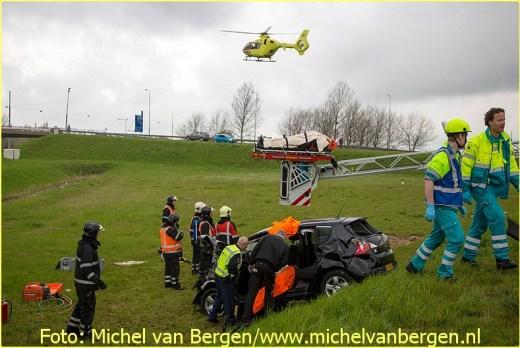 Lifeliner1 inzet Beverwijk Foto: Michel van Bergen (9)