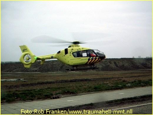 Lifeliner2 inzet Hoofddorp Foto: Rob Franken (4)