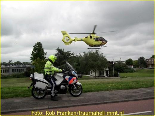 Lifeliner1 inzet Zwanenburg Foto: Rob Franken (9)