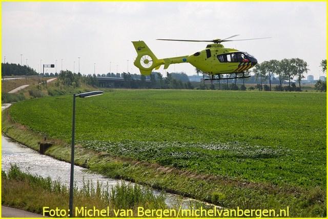Lifeliner1 inzet Boesingheliede Foto: Michel van Bergen (22)