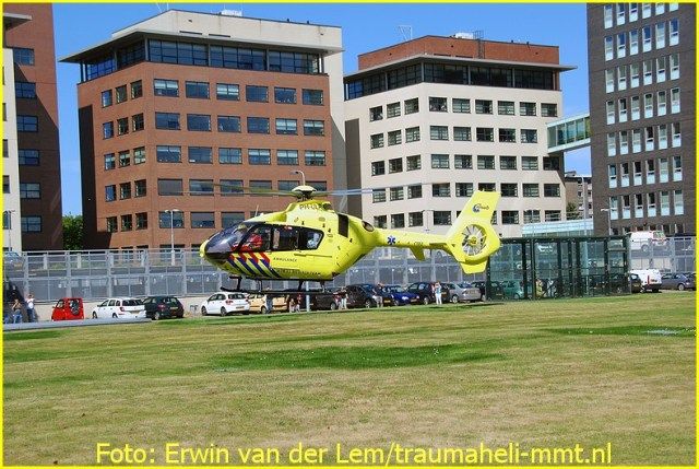 Lifeliner2 inzet Rijswijk Foto: Erwin van der Lem (11)