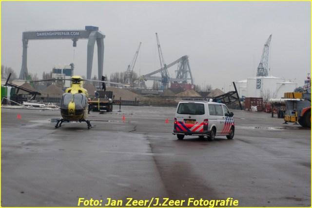 2013-12-17 Bedrijfsongeval HSM steel structures, Schiedam 042-BorderMaker