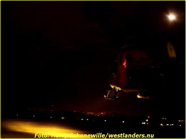 Auto op zijn kop te water aan de Haakweg163-BorderMaker