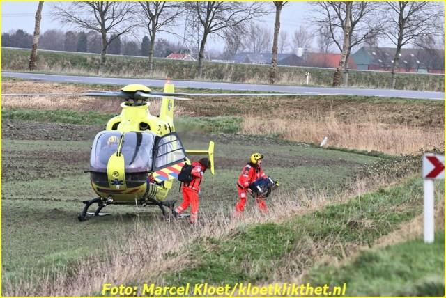 ongeval s'-heerenhoeksedijk overzande 13-2-2013 064-BorderMaker
