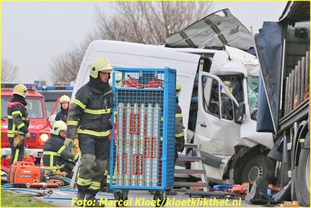 ongeval s'-heerenhoeksedijk overzande 13-2-2013 068-BorderMaker