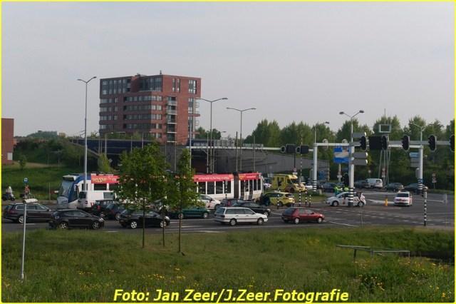 2014-05-05 Aanrijding Randstadrail vs fietser (3)-BorderMaker