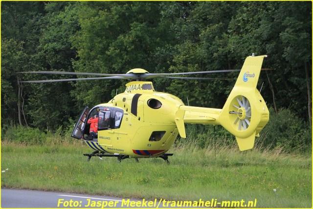 2014 0619 Traumaheli Inzet Ijweg te Hoofddorp 010 (11)-BorderMaker