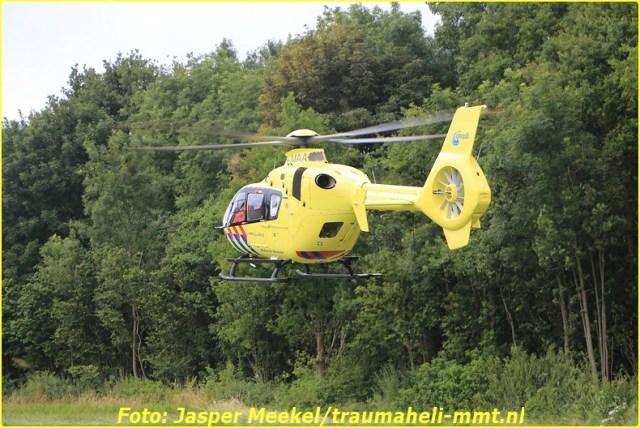 2014 0619 Traumaheli Inzet Ijweg te Hoofddorp 010 (12)-BorderMaker