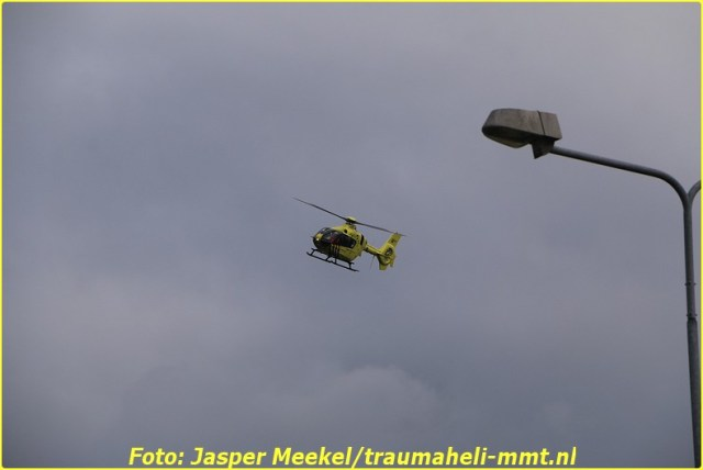 2014 0619 Traumaheli Inzet Ijweg te Hoofddorp 010 (2)-BorderMaker