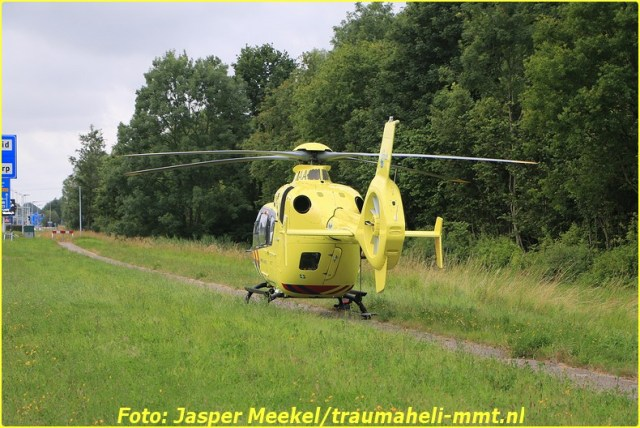 2014 0619 Traumaheli Inzet Ijweg te Hoofddorp 010 (7)-BorderMaker