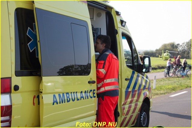 20141002 Egmond 4 gewonde bij frontale botsing N512-10-BorderMaker