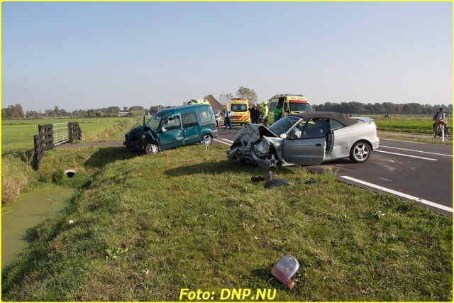20141002 Egmond 4 gewonde bij frontale botsing N512-4-BorderMaker