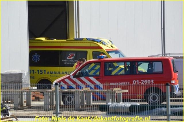 2015 06 07 Persoon zakt door dak Stadskanaal-1 (5)-BorderMaker
