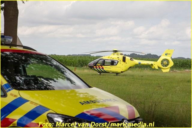 07182015_wielrenster_gewond_Terheijden_0813-BorderMaker