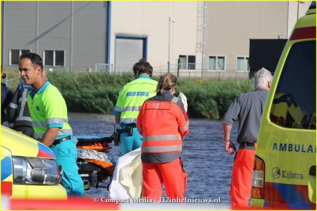 Bestuurster overleden bij auto te water aan de Loswal Drachten 17-BorderMaker