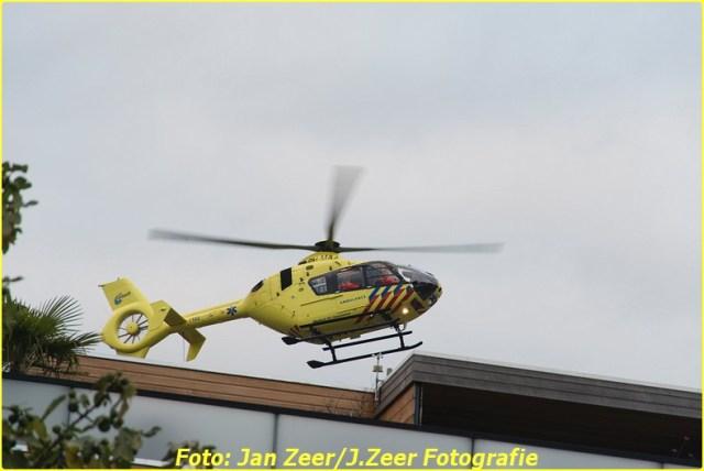 2015-10-19 Dubbele traumahelikopter inzet Schiedam 007-BorderMaker
