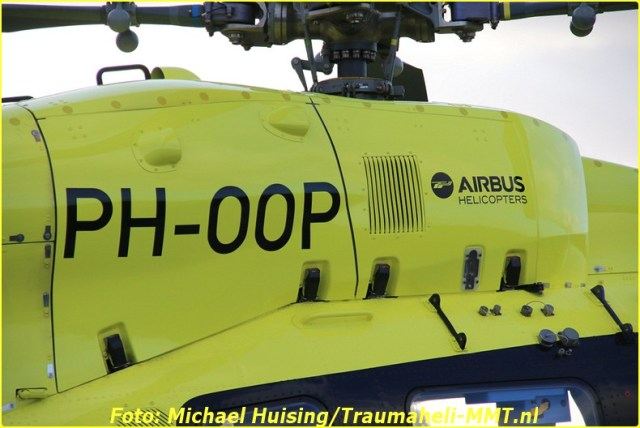 29-10-2016-ph-oop-waddenheli-op-oostwold-airport-36-bordermaker