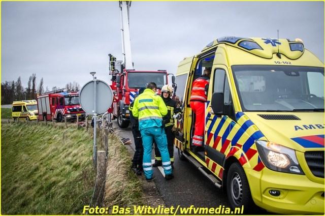 20161225_ivstudio_venhuizen-zuiderdijk_ongeval-2-bordermaker