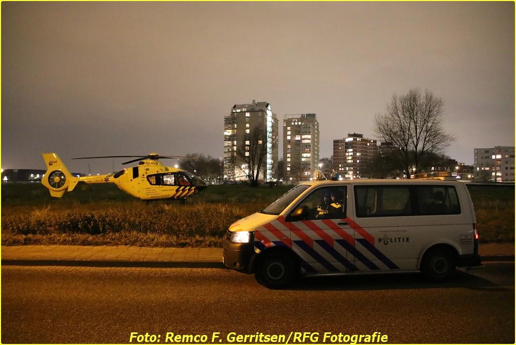 18-12-14 Prio 1 Ass. Ambu - Zweedsestraat (Rotterdam) - Lifeliner (2)-BorderMaker