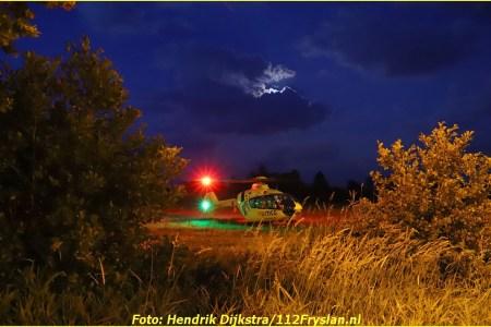 Lifeliner4 landt in Noardburgum voor incident...