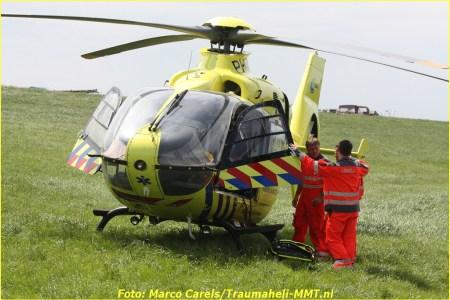 Traumaheli landt in Leimuiden voor medische...