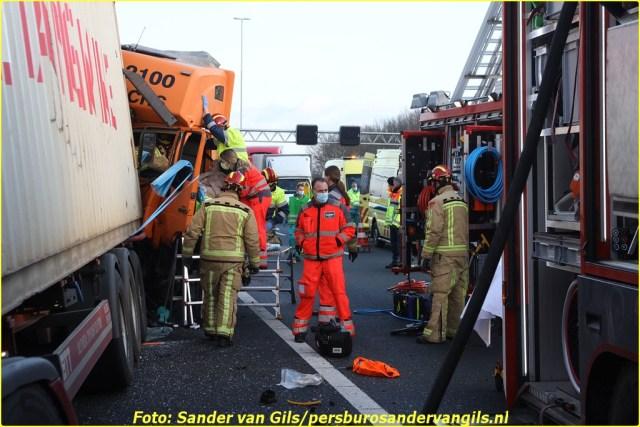 sander-van-gils-20210125160234-10-BorderMaker