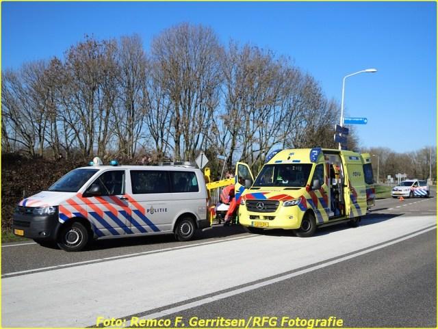 21-02-28 Prio 1 Verkeersongeval - Lekdijk-West (Schoonhoven) (3)-BorderMaker