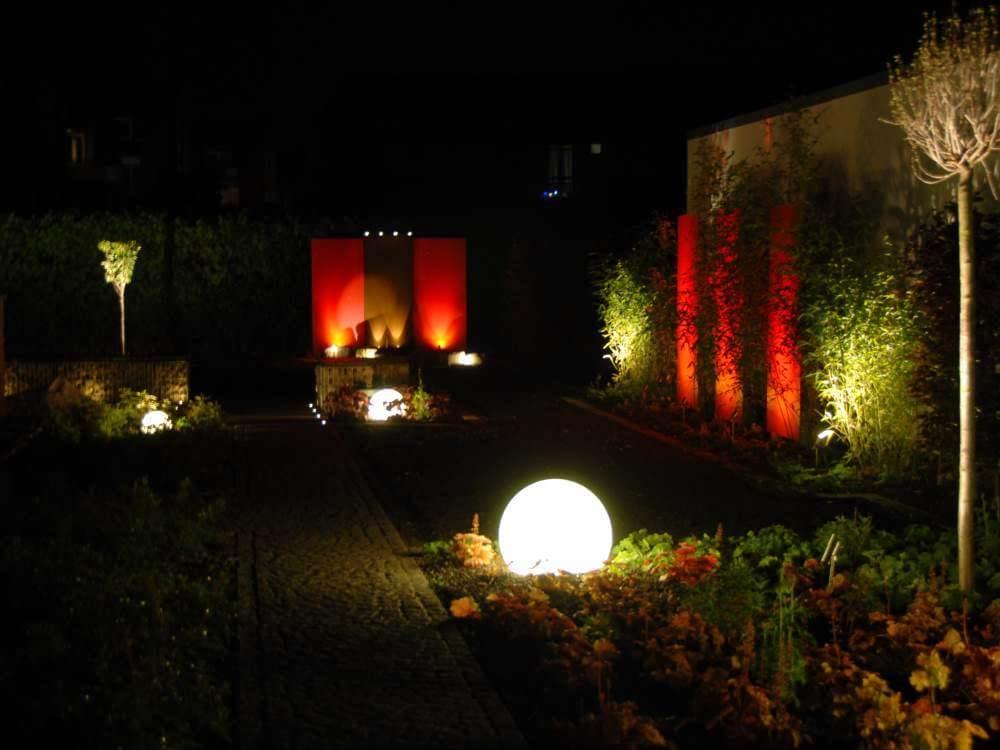Die Gartenbeleuchtung mit Creston Steuerung