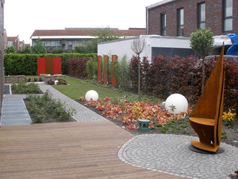 Der exklusive Garten ist Fertiggestellt