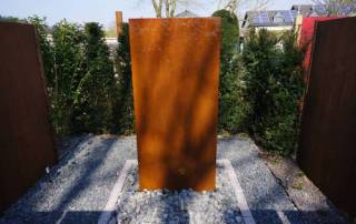 Wasserwand aus Cortenstahl
