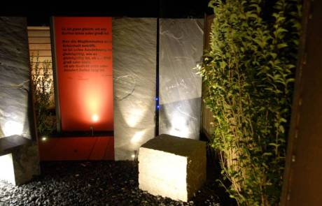 Resopalplatten und Schiefersteelen mit LED Beleuchtung