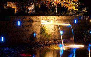 Wasserfall aus Plexiglas