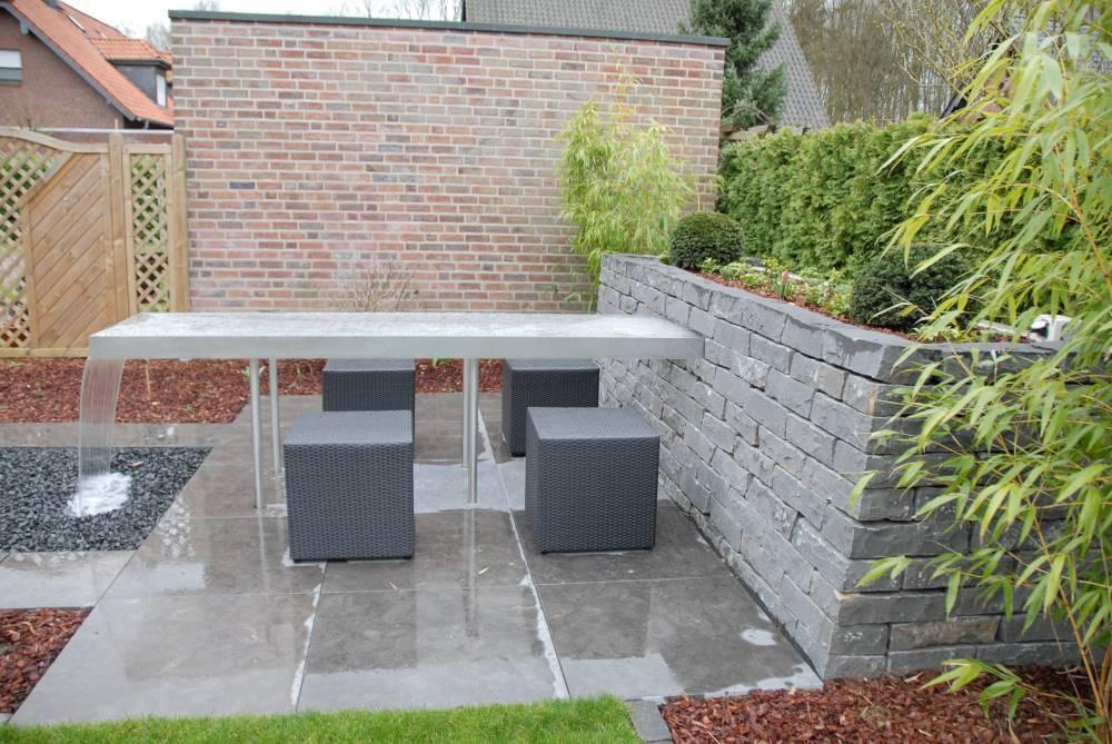 Kleiner Garten Wassertisch