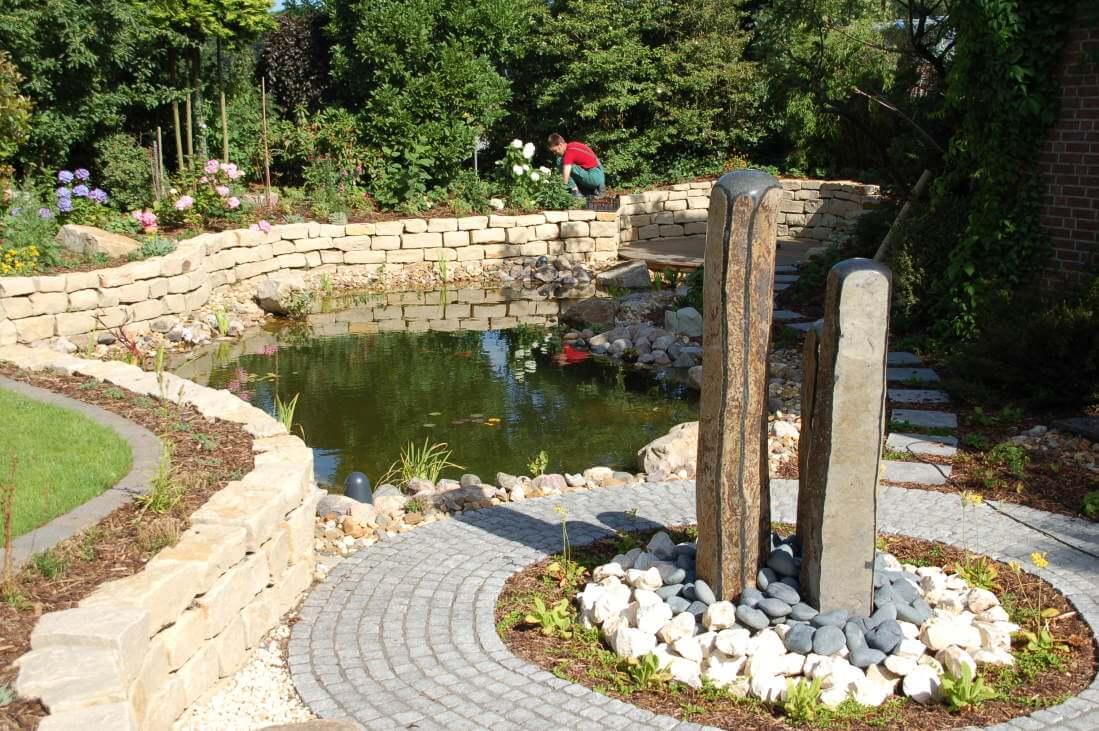 Der romatische Garten, viele Kurven und Schnörkel