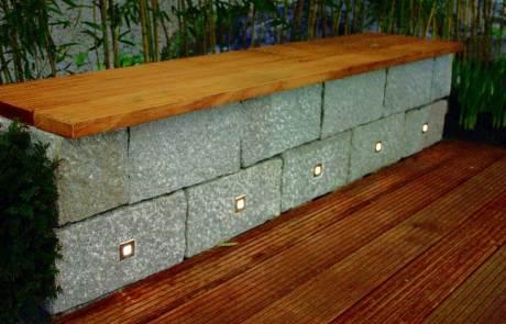 LED Lichtpunkte in Mauer