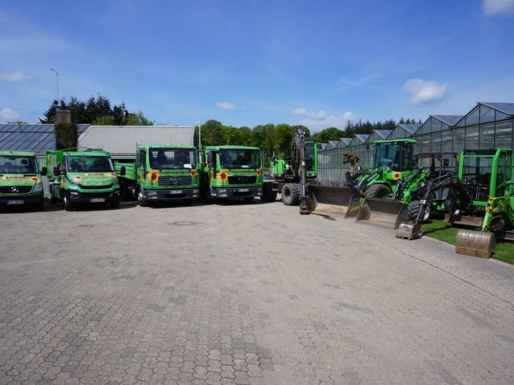 Garten und landschaftsbau maschinen  Galabau Mähler | Fuhrpark | Geräte und Maschinen