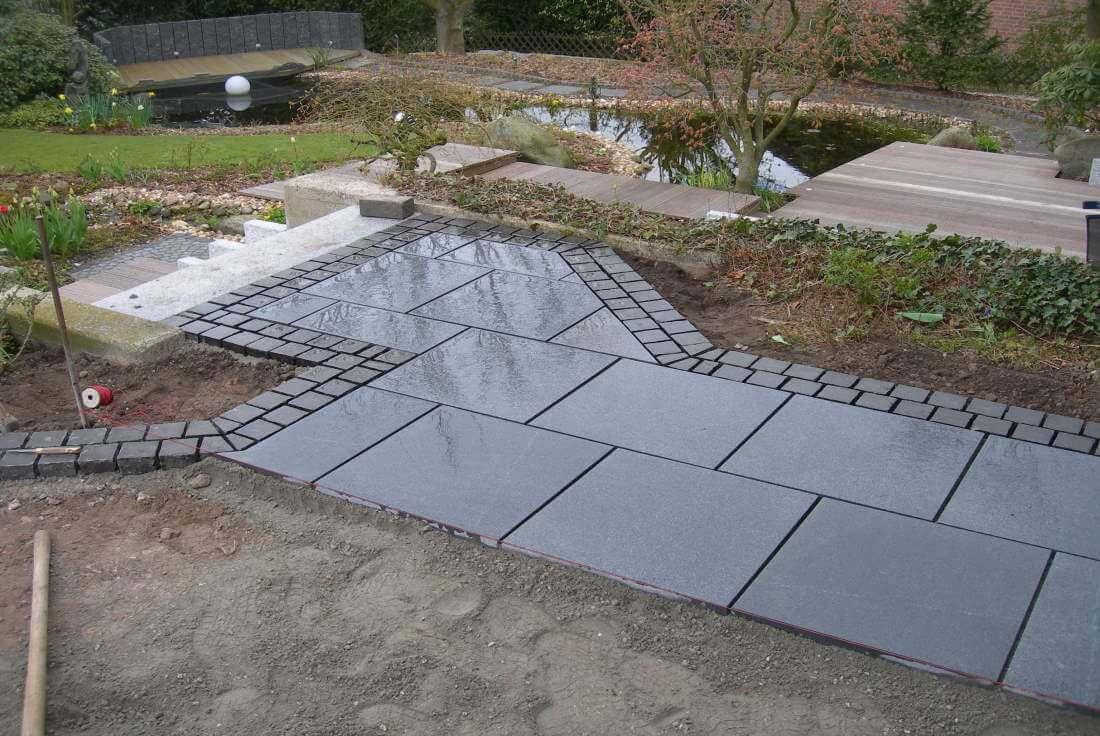 Natursteinplatten Terrasse verlegen