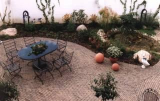 Terrasse aus Nostalgieklinker, Farbe: braun-gelb-bunt
