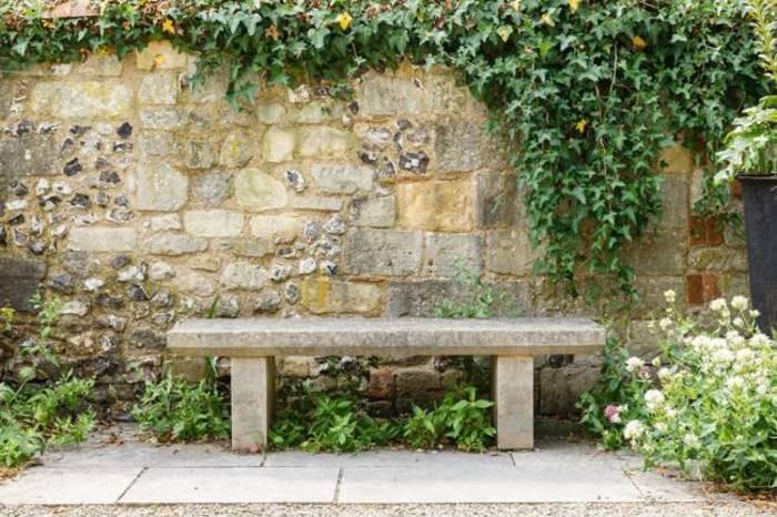 Sitzplatz im Garten anlegen