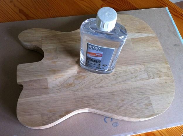 comment prot ger une planche d couper en bois travailler le bois. Black Bedroom Furniture Sets. Home Design Ideas