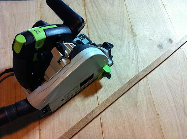 Travailler le bois table chêne Festool TS55