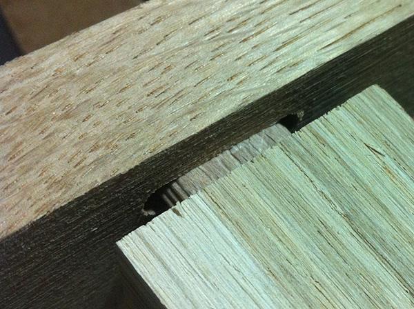 Travailler le bois table chêne Domino